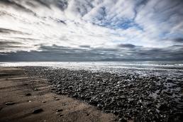 Ynys Las beach