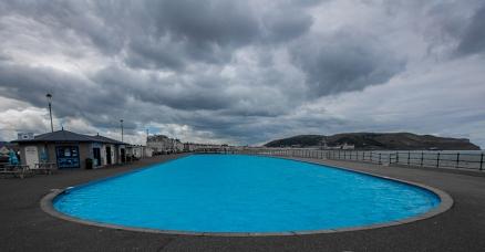 Pool Long