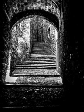 Cobbled, Girona